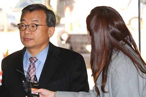 朴政権首席秘書官に有罪判決 セウォル号沈没報道でKBSに圧力