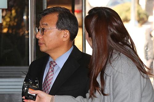 '세월호 보도개입' 이정현, 징역 1년에 집유 2년 선고