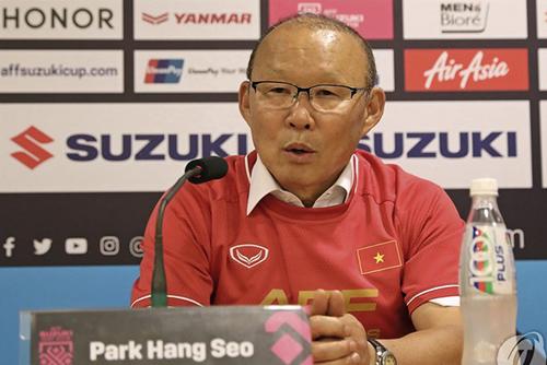 AFF Suzuki Cup : l'entraîneur sud-coréen du Vietnam Park Hang-seo salue la victoire de son équipe
