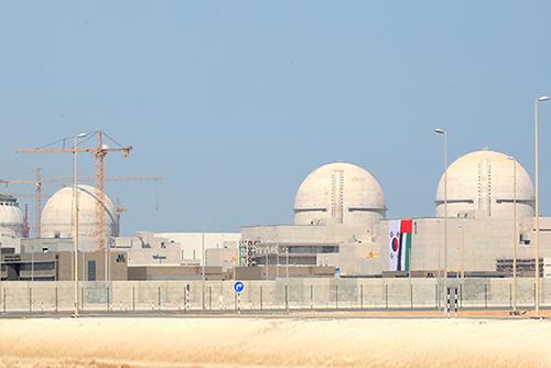 الإمارات تبدأ في تشغيل أول محطات الطاقة النووية في العالم العربي
