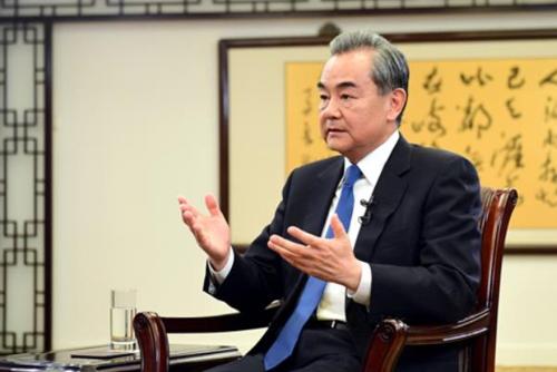 El ministro de Exteriores de China visita Seúl