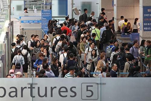 仁川国際空港の利用者 去年6826万人で最多