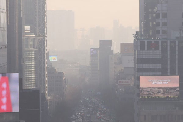 Ultrafine Dust in Seoul Soars to Record Level