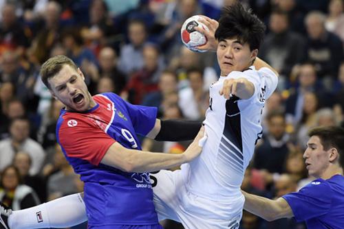 핸드볼 남북단일팀, 러시아에 져 세계선수권 2연패