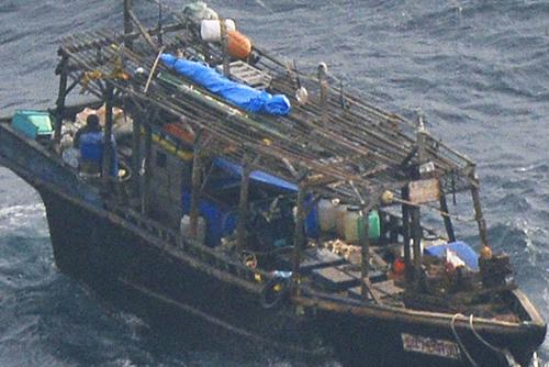 """일본 서쪽 해상서 '북한 어선' 표류…""""일본의 구조는 희망 안해"""""""