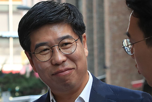 청와대 민정비서관, '첩보 이첩 지시 보도' 김태우·조선일보 고소