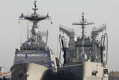 海軍巡洋訓練船団 中国上海港に入港