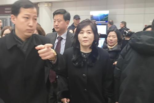 En route vers la Suède, Choe Son-hui fait escale à Pékin
