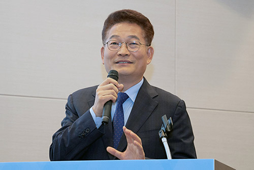 S. Korea's Ruling Party Chief Departs for US to Discuss Korean Peninsula Issues