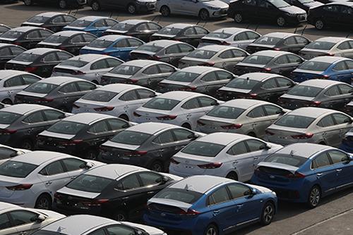 韓国自動車生産、13年ぶりの低水準 半導体不足が影響
