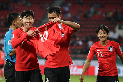 [AFC Asian Cup 2019] S. Korea Beats Bahrain 2-1 to Reach Quarterfinals