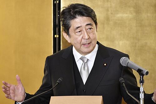 """아베 총리 """"'일본해'가 국제사회 유일 호칭…변경할 필요 없다"""""""