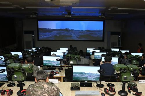 """""""가상현실로 훈련"""" 국내 기술 '합동화력시뮬레이터' 전력화"""