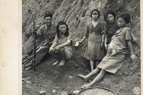 Una exposición muestra imágenes originales de la esclavitud sexual