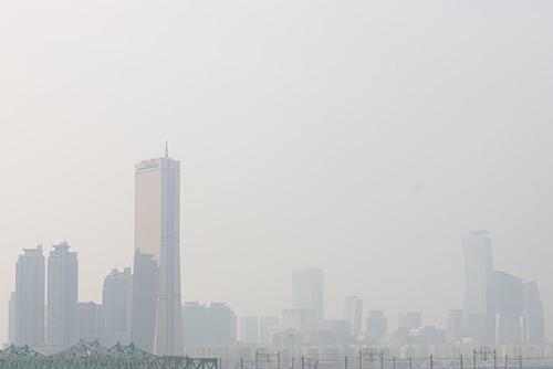 В столичном регионе введены предварительные меры по снижению уровня микропыли в атмосфере