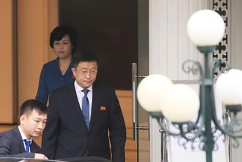 Sommet Trump-Kim : les négociations de travail se poursuivent à Hanoï