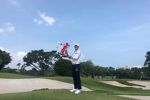 韩国高尔夫女将朴城炫时隔4个月再夺冠