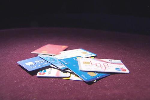 S. Koreans Hold 3.9 Credit Cards on Average