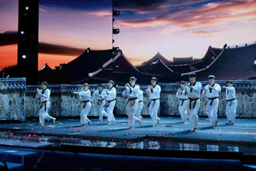 韩国国技院跆拳道示范团在美国比赛节目中获第二名