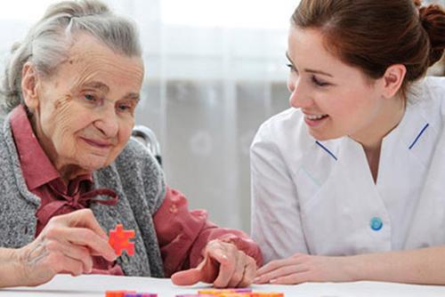 Satu dari 10 Lansia Berusia 65 Tahun ke Atas Menderita Demensia