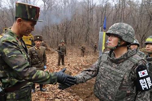 군, 남북연락사무소 북한 인력 복귀에 군사합의 이행 '기대'