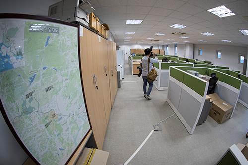 """중국, 개성 연락사무소 북한 일부 복귀에 """"남북대화 지지"""""""