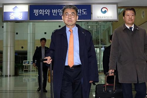 """남북연락사무소 부소장 """"북측 기관과 접촉하며 상황 파악할 것"""""""