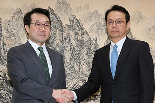 Trưởng đoàn đàm phán hạt nhân Hàn-Nhật điện đàm trước thềm thượng đỉnh Nga-Triều