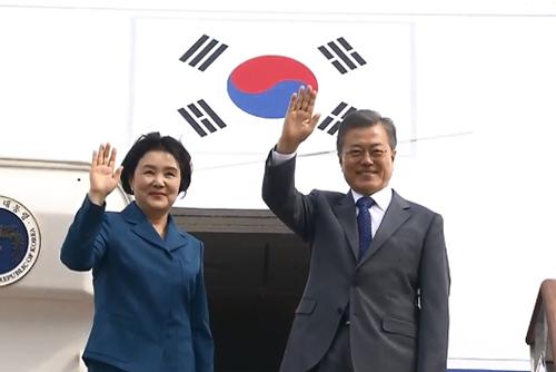 文大統領が10日、アメリカへ出発 12日に韓米首脳会談