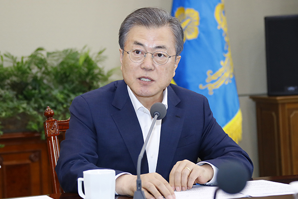 文大統領「韓米朝、対話の機会を活かすべき」 北に自制促す