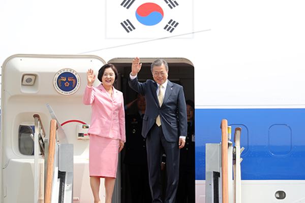 文大統領 中央アジア3か国訪問へ出発