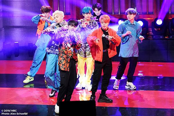 BTS occupe pour la 3e fois le trône du Billboard 200