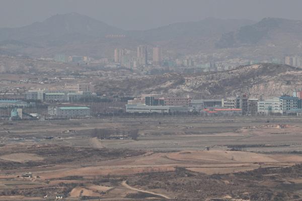 """개성공단 기업 열에 하나는 폐업, """"정부 소극적 대처 불만"""""""