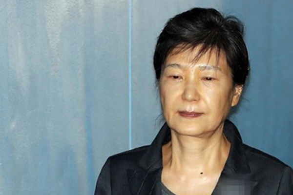 Ex-Pres. Park Requests Stay of Execution of Sentence Citing Health Reasons