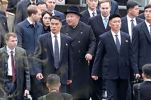 Председатель госсовета КНДР Ким Чон Ын прибыл во Владивосток для участия в северокорейско-российском саммите