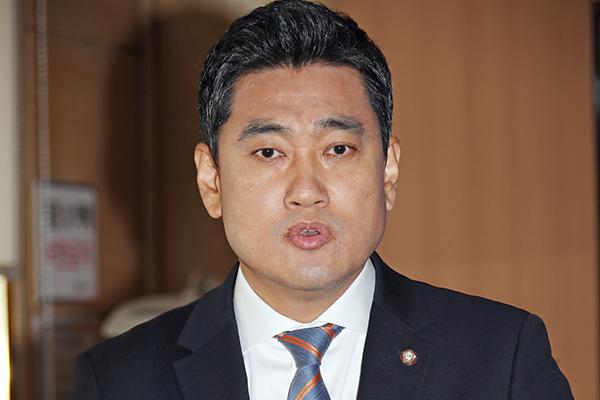 Opposition Lawmaker to Vote Against Designating Fast-track Bills