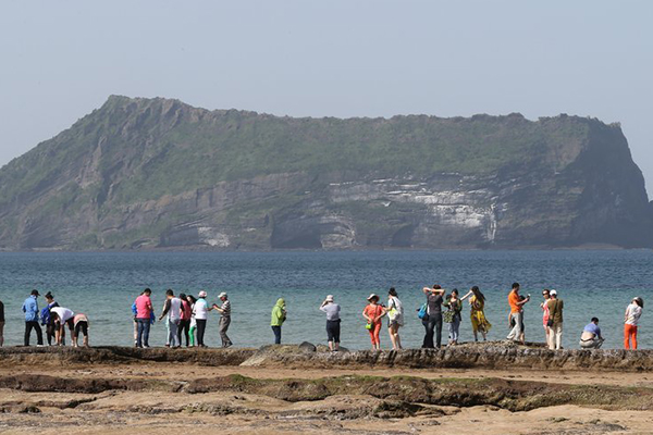 15 000 touristes chinois et japonais attendus sur l'île de Jeju entre fin avril et début mai