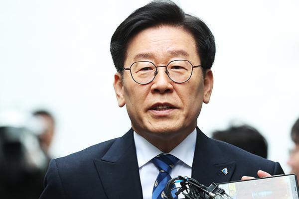 """이재명 지사 """"친형 강제 진단은 지자체장 의무""""…결심 공판 출석"""