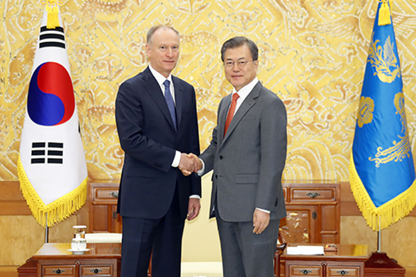 Президент РК встретился с секретарём Совета безопасности России