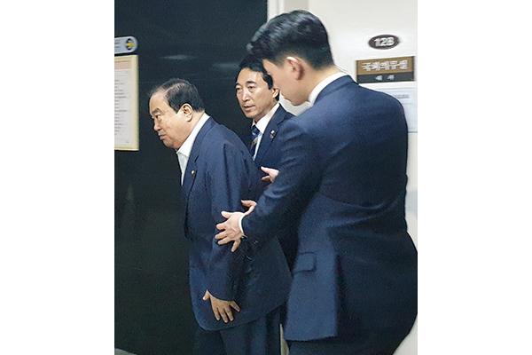 '쇼크 증세' 문희상 국회의장, 서울대 병원으로 긴급 이송