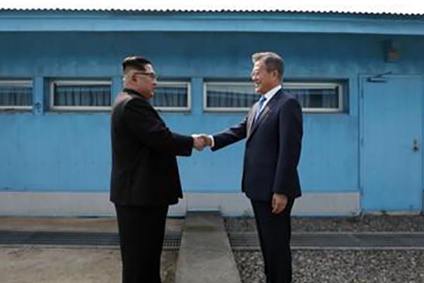 北韩媒体:南韩不要瞻前顾后或看人眼色行事