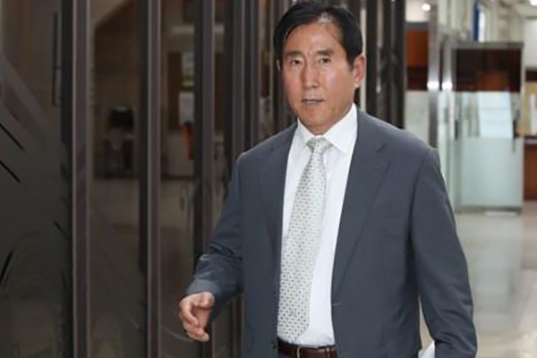 4-Yr Prison Sentence Sought for Ex-Police Chief for Online Schemes