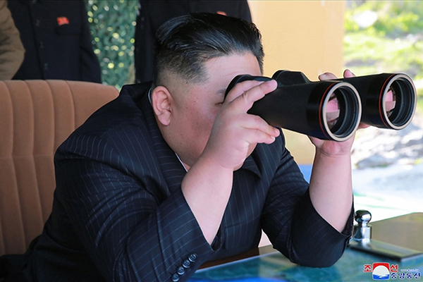 Kim Jong-un Pimpin Latihan Peluncuran Proyektil Jangka Panjang