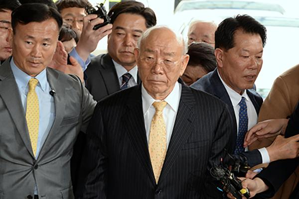'Ex-Pres. Chun Gave Order to Fire at Gwangju Demonstrators'