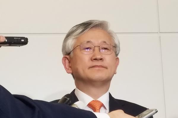 南官杓駐日大使が信任状提出