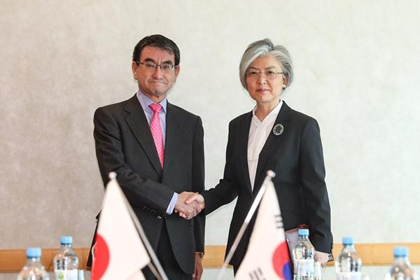 パリで韓日外相会談へ 徴用工問題で論議か