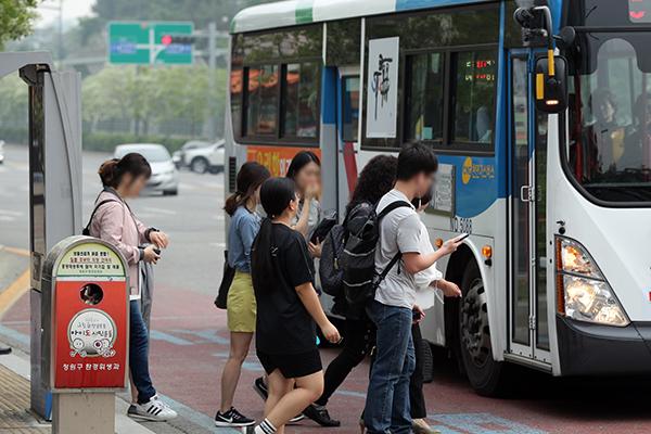 全国所有公交车公司劳工撤回或保留罢工