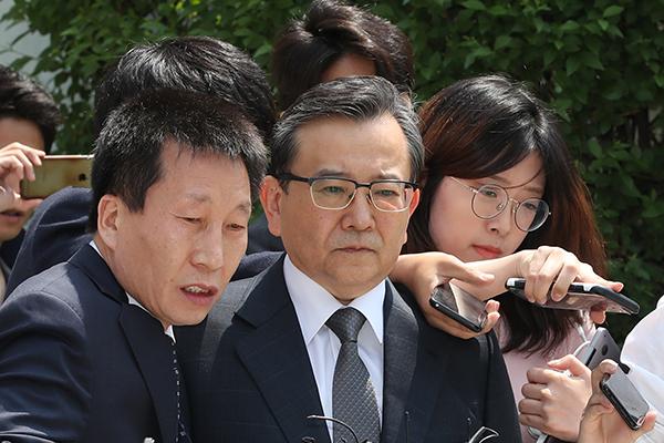구속된 김학의 전 차관, 검찰 출석에 '불응'