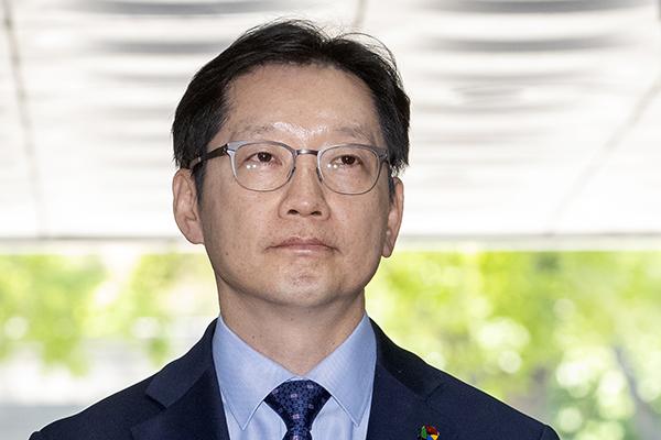 재판 때문에  고 노무현 추도식 못 간 김경수