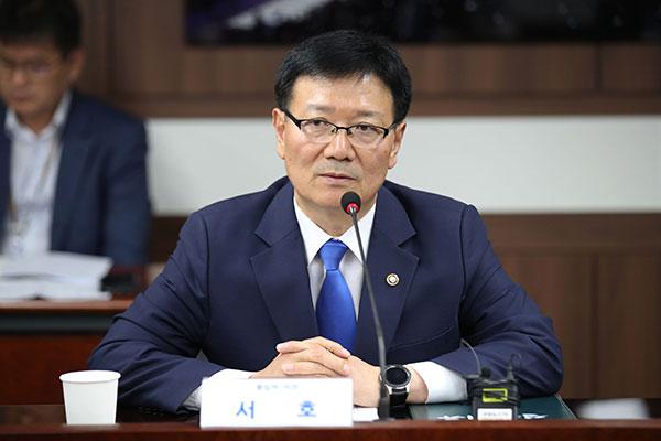 南北联络事务所韩方新任所长徐虎前往开城办公